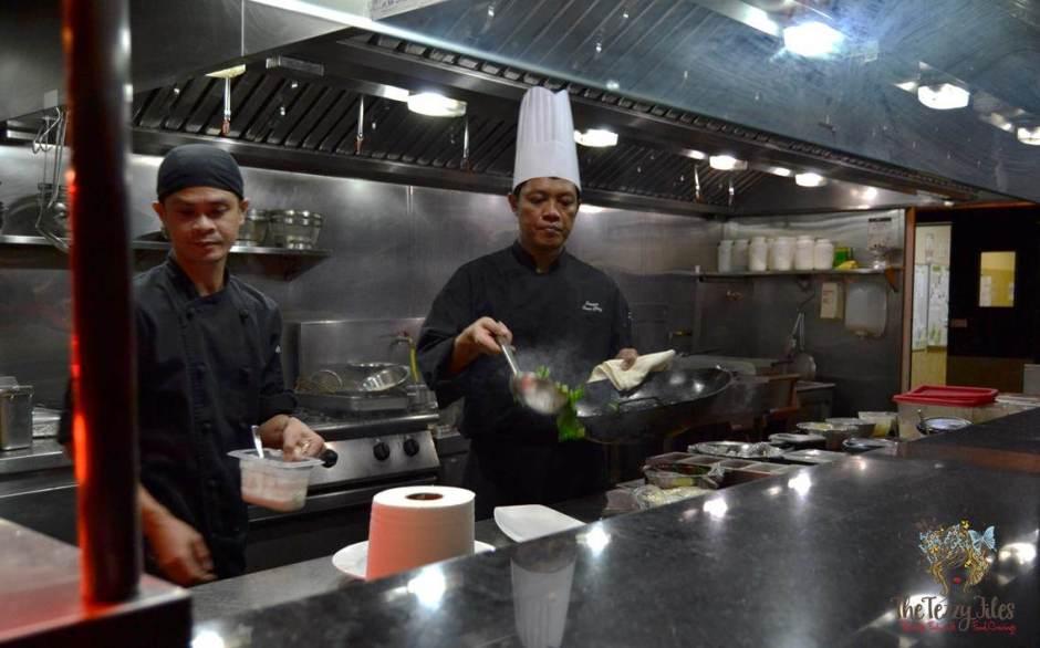 royal budha chef in action