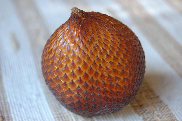 Salacca zalacca, Salak, Snake fruit
